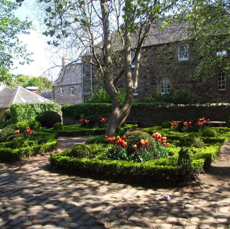 Dunbar Garden Extended Edinburgh Old Town Architecture