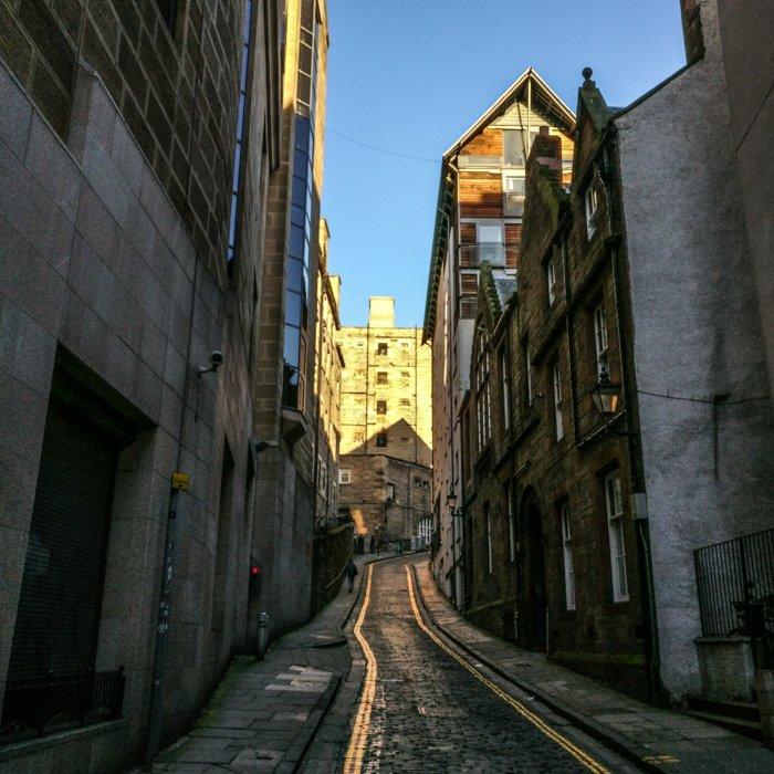 Edinburgh Old Fishmarket Close Richard Murphy housing | Architecture Tours