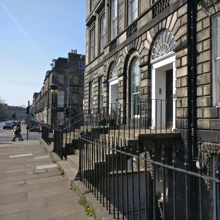 Heriot Row | Edinburgh New Town walking tour | Georgian Houses | Georgian Doors