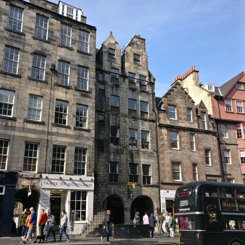 Gladstone Land | Royal Mile | Edinburgh Old Town Architecture Walking Tour