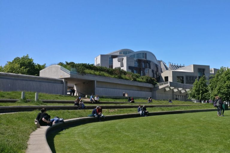 Outdoor seating_Enric Miralles_Scottish Parliament Building_Edinburgh Walking Tour