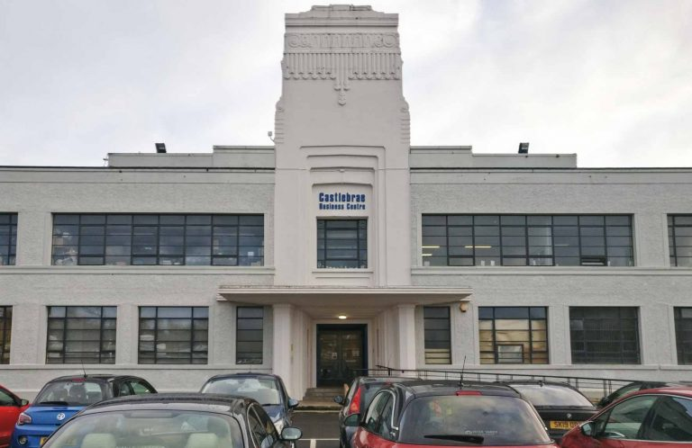 Niddrie Marischal Intermediate School Front Facade_Art Deco Architecture in Edinburgh
