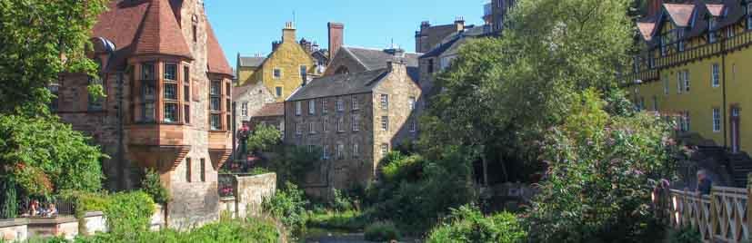 Edinburgh Audio Tour in Dean Village featuring Well Court